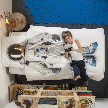 science sunday astronaut bed cover