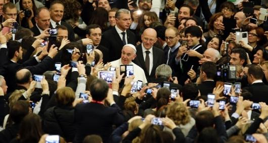 640x344_1456573297717.Vatican_Pope_rain